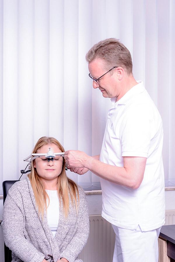 Zahnarzt Siegen - Dr. Norbert Baake - Praxis - Anpassung