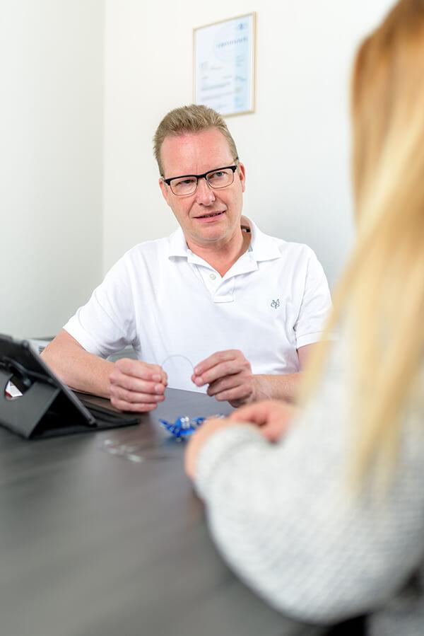 Zahnarzt Siegen - Dr. Norbert Baake - Leistungen - Kieferorthopädie